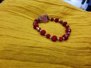 Bracelet élastiqué perles rouges femme