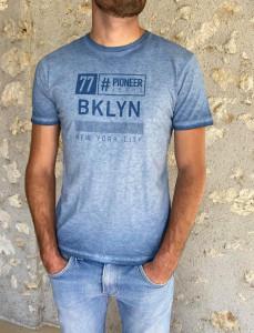 T. shirt bleu ciel délavé homme